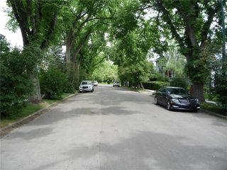 Photo 4: 3227 ALFEGE ST SW in Calgary: Upper Mount Royal House for sale : MLS®# C4125659