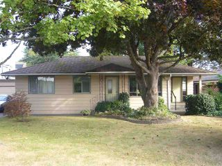 Main Photo: 15631 THRIFT Avenue: White Rock House for sale (South Surrey White Rock)  : MLS®# R2209433