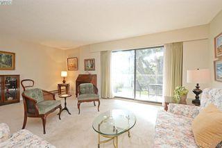 Photo 3: 305 2125 Oak Bay Avenue in VICTORIA: OB South Oak Bay Condo Apartment for sale (Oak Bay)  : MLS®# 383805
