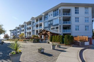 "Photo 18: 113 4500 WESTWATER Drive in Richmond: Steveston South Condo for sale in ""COPPER SKY WEST"" : MLS®# R2218071"