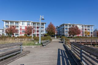 "Photo 20: 113 4500 WESTWATER Drive in Richmond: Steveston South Condo for sale in ""COPPER SKY WEST"" : MLS®# R2218071"