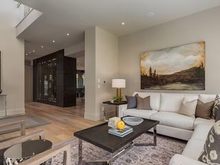 Photo 5: 4248 BRITANNIA Drive SW in Calgary: Britannia Detached for sale : MLS®# C4145188