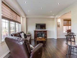 Photo 5: 134 Aylesbury Drive in Brampton: Northwest Brampton House (2-Storey) for sale : MLS®# W3980058