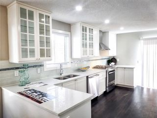 Photo 6: 119 SHAWINIGAN Drive SW in Calgary: Shawnessy House for sale : MLS®# C4163176