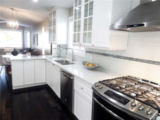 Photo 9: 119 SHAWINIGAN Drive SW in Calgary: Shawnessy House for sale : MLS®# C4163176