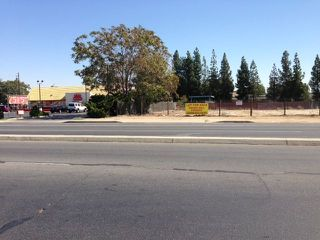 Photo 3: OUT OF AREA Property for sale: 224 N CHESTER AVENUE in BAKERSFIELD