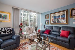 "Photo 9: 302 1010 RICHARDS Street in Vancouver: Yaletown Condo for sale in ""The Gallery"" (Vancouver West)  : MLS®# R2246691"