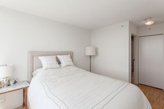 "Photo 17: 2505 33 SMITHE Street in Vancouver: Yaletown Condo for sale in ""COOPERS LOOKOUT"" (Vancouver West)  : MLS®# R2289422"