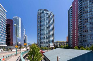 "Photo 1: 2505 33 SMITHE Street in Vancouver: Yaletown Condo for sale in ""COOPERS LOOKOUT"" (Vancouver West)  : MLS®# R2289422"