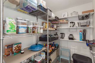 "Photo 9: 2505 33 SMITHE Street in Vancouver: Yaletown Condo for sale in ""COOPERS LOOKOUT"" (Vancouver West)  : MLS®# R2289422"