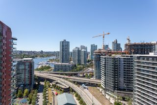"Photo 14: 2505 33 SMITHE Street in Vancouver: Yaletown Condo for sale in ""COOPERS LOOKOUT"" (Vancouver West)  : MLS®# R2289422"