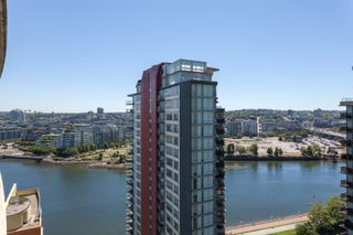"Photo 15: 2505 33 SMITHE Street in Vancouver: Yaletown Condo for sale in ""COOPERS LOOKOUT"" (Vancouver West)  : MLS®# R2289422"