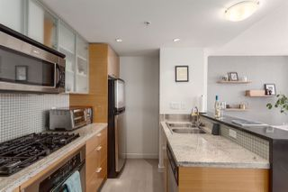 "Photo 8: 2505 33 SMITHE Street in Vancouver: Yaletown Condo for sale in ""COOPERS LOOKOUT"" (Vancouver West)  : MLS®# R2289422"