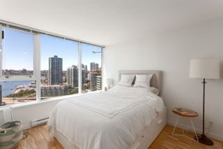 "Photo 16: 2505 33 SMITHE Street in Vancouver: Yaletown Condo for sale in ""COOPERS LOOKOUT"" (Vancouver West)  : MLS®# R2289422"