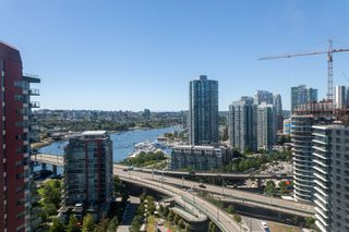 "Photo 13: 2505 33 SMITHE Street in Vancouver: Yaletown Condo for sale in ""COOPERS LOOKOUT"" (Vancouver West)  : MLS®# R2289422"