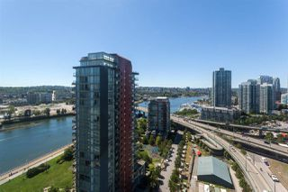 "Photo 12: 2505 33 SMITHE Street in Vancouver: Yaletown Condo for sale in ""COOPERS LOOKOUT"" (Vancouver West)  : MLS®# R2289422"