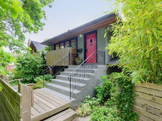 "Photo 18: 2288 E 3RD Avenue in Vancouver: Grandview VE House for sale in """"The Drive"""" (Vancouver East)  : MLS®# R2297956"