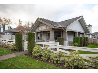 "Photo 2: 35 8555 209 Street in Langley: Walnut Grove Townhouse for sale in ""Autumnwood - Walnut Grove"" : MLS®# R2327896"
