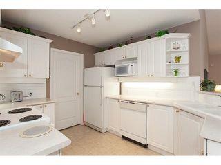 "Photo 10: 35 8555 209 Street in Langley: Walnut Grove Townhouse for sale in ""Autumnwood - Walnut Grove"" : MLS®# R2327896"