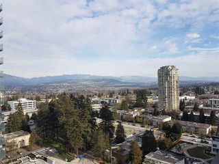 """Photo 10: 2105 4900 LENNOX Lane in Burnaby: Metrotown Condo for sale in """"The Park Metrotown"""" (Burnaby South)  : MLS®# R2337587"""