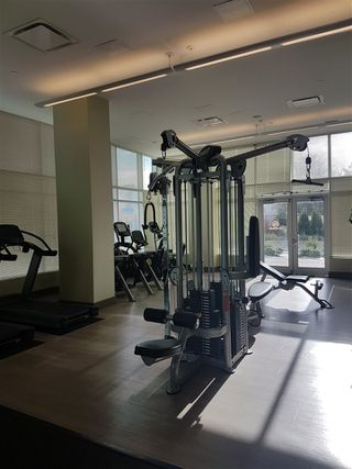 """Photo 11: 2105 4900 LENNOX Lane in Burnaby: Metrotown Condo for sale in """"The Park Metrotown"""" (Burnaby South)  : MLS®# R2337587"""
