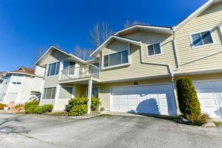 """Photo 2: 17 22555 116 Avenue in Maple Ridge: East Central Townhouse for sale in """"Fraserview Village"""" : MLS®# R2339464"""