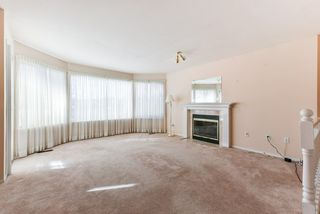 """Photo 3: 17 22555 116 Avenue in Maple Ridge: East Central Townhouse for sale in """"Fraserview Village"""" : MLS®# R2339464"""