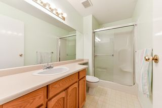 """Photo 12: 17 22555 116 Avenue in Maple Ridge: East Central Townhouse for sale in """"Fraserview Village"""" : MLS®# R2339464"""
