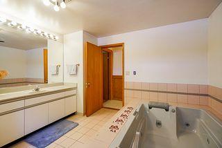 Photo 11: 358 VENTURA Crescent in North Vancouver: Upper Delbrook House for sale : MLS®# R2344206
