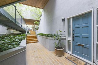 Photo 3: 1033 W 8TH Avenue in Vancouver: Fairview VW Townhouse for sale (Vancouver West)  : MLS®# R2357973