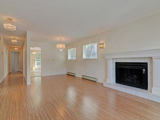 Photo 3: 1403 FREDERICK Road in North Vancouver: Lynn Valley House for sale : MLS®# R2368959