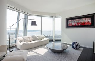 "Main Photo: 6702 1151 W GEORGIA Street in Vancouver: Coal Harbour Condo for sale in ""TRUMP TOWER"" (Vancouver West)  : MLS®# R2381180"