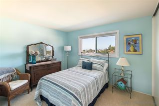 Photo 12: PACIFIC BEACH House for sale : 5 bedrooms : 5022 Pendleton St in San Diego