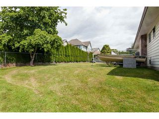 Photo 19: 26833 25 Avenue in Langley: Aldergrove Langley House for sale : MLS®# R2382975