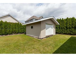 Photo 4: 26833 25 Avenue in Langley: Aldergrove Langley House for sale : MLS®# R2382975