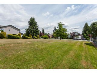Photo 2: 26833 25 Avenue in Langley: Aldergrove Langley House for sale : MLS®# R2382975