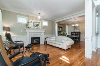 Photo 3: 2236 MADRONA Place in Surrey: King George Corridor House for sale (South Surrey White Rock)  : MLS®# R2382788
