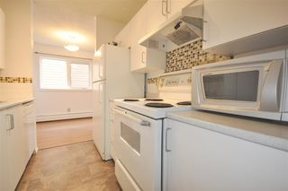 Photo 3: 5 10721 116 Street in Edmonton: Zone 08 Condo for sale : MLS®# E4164577