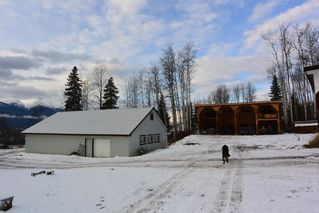 """Photo 18: 400 S VIEWMOUNT Road in Smithers: Smithers - Rural House for sale in """"VIEWMOUNT AREA"""" (Smithers And Area (Zone 54))  : MLS®# R2423279"""