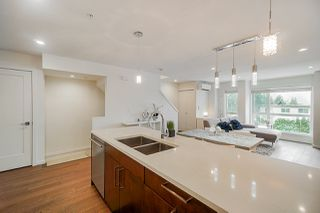 """Photo 4: 977 W 70TH Avenue in Vancouver: Marpole Townhouse for sale in """"Shaughnessy Gate"""" (Vancouver West)  : MLS®# R2451594"""