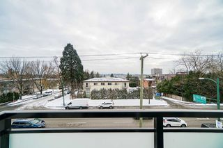 """Photo 39: 977 W 70TH Avenue in Vancouver: Marpole Townhouse for sale in """"Shaughnessy Gate"""" (Vancouver West)  : MLS®# R2451594"""