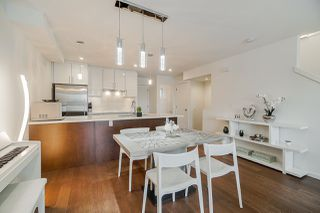 """Photo 6: 977 W 70TH Avenue in Vancouver: Marpole Townhouse for sale in """"Shaughnessy Gate"""" (Vancouver West)  : MLS®# R2451594"""