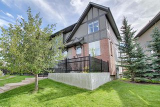Photo 1: 83 NEW BRIGHTON Common SE in Calgary: New Brighton Row/Townhouse for sale : MLS®# A1027197
