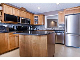 Photo 5: 313 INGLEWOOD Grove SE in CALGARY: Inglewood Townhouse for sale (Calgary)  : MLS®# C3504585
