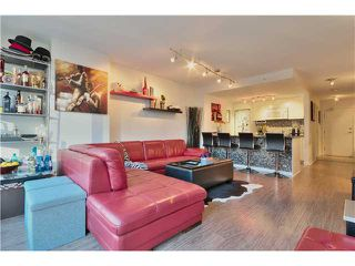 Photo 1: 905 788 HAMILTON Street in Vancouver: Downtown VW Condo for sale (Vancouver West)  : MLS®# V1043818