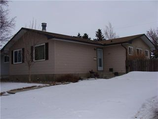Photo 1: 6011 PENWORTH Road SE in CALGARY: Penbrooke Residential Detached Single Family for sale (Calgary)  : MLS®# C3600985