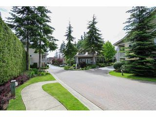 "Photo 2: 44 2588 152ND Street in Surrey: King George Corridor Townhouse for sale in ""WOODGROVE"" (South Surrey White Rock)  : MLS®# F1414709"