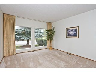 Photo 3: 7043 61 Avenue NW in Calgary: Silver Springs Residential Detached Single Family for sale : MLS®# C3644047