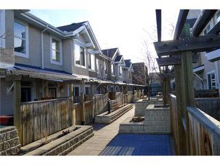 Photo 2: 19 2001 34 Avenue SW in Calgary: Altadore_River Park Townhouse for sale : MLS®# C3509799