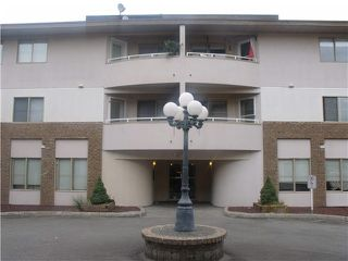 "Photo 1: 204 19128 FORD Road in Pitt Meadows: Central Meadows Condo for sale in ""BEACON SQUARE"" : MLS®# V1095908"